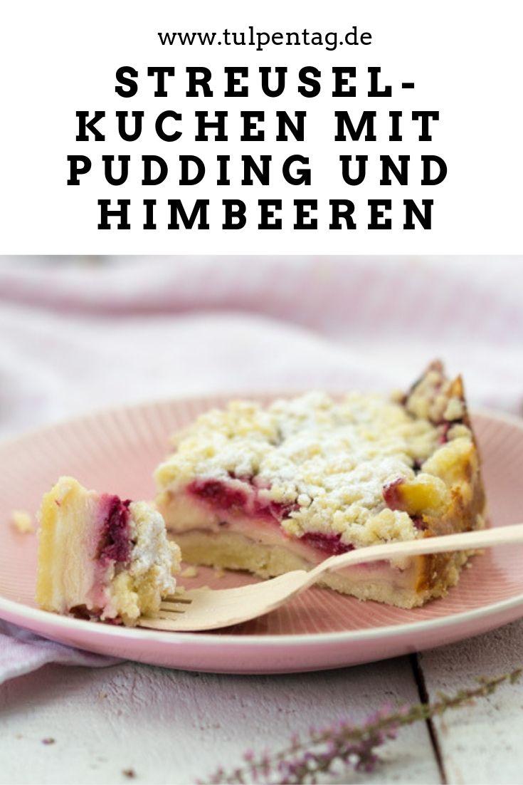 Streuselkuchen mit Pudding und Himbeeren
