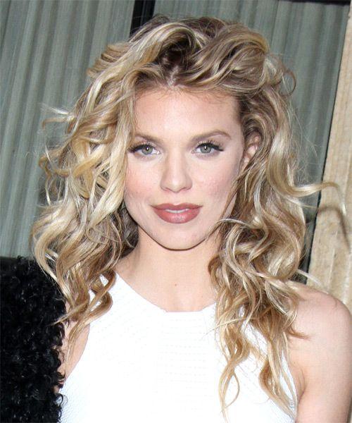 Hairstyles For A Diamond Face Shape Annalynne Mccord Hair Cool