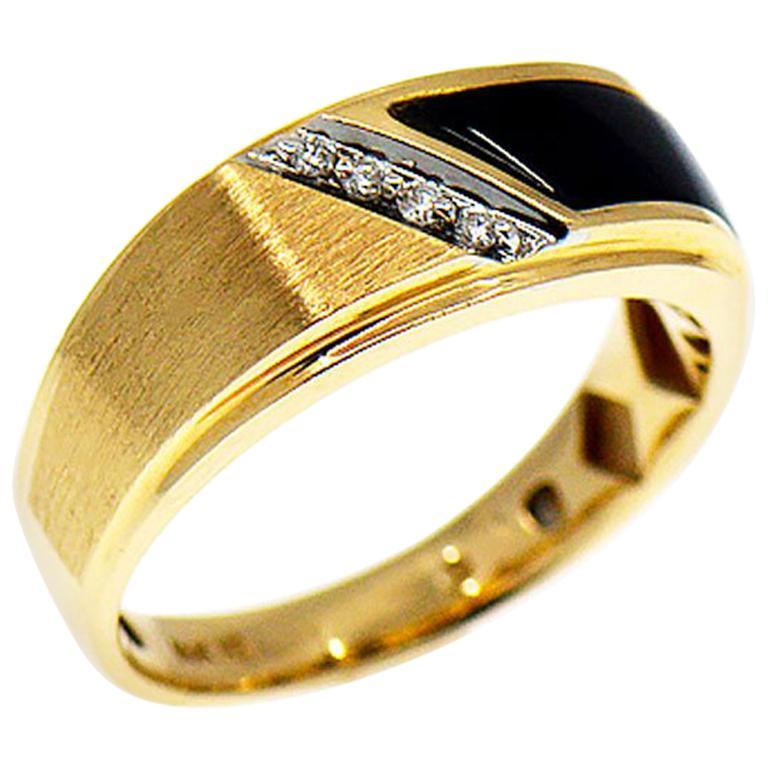 Men S Diamond And Black Onyx Band Ring 14 Karat Yellow Gold Mens Gold Diamond Rings Black Band Ring Rings For Men