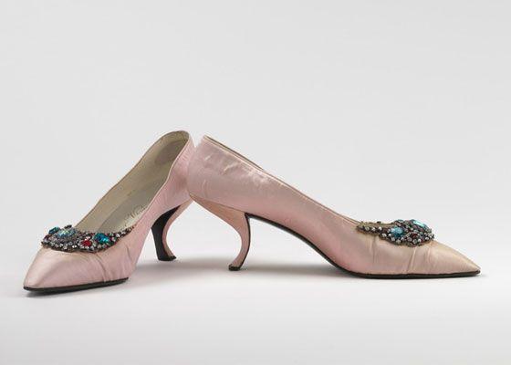 Roger Vivier pink vintage kitten heel | Heel Me | Pinterest ...
