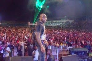 ENTER10MENTNAIJA: Davido [ @iam_Davido ] Thrills Over 60,000 Fans At...