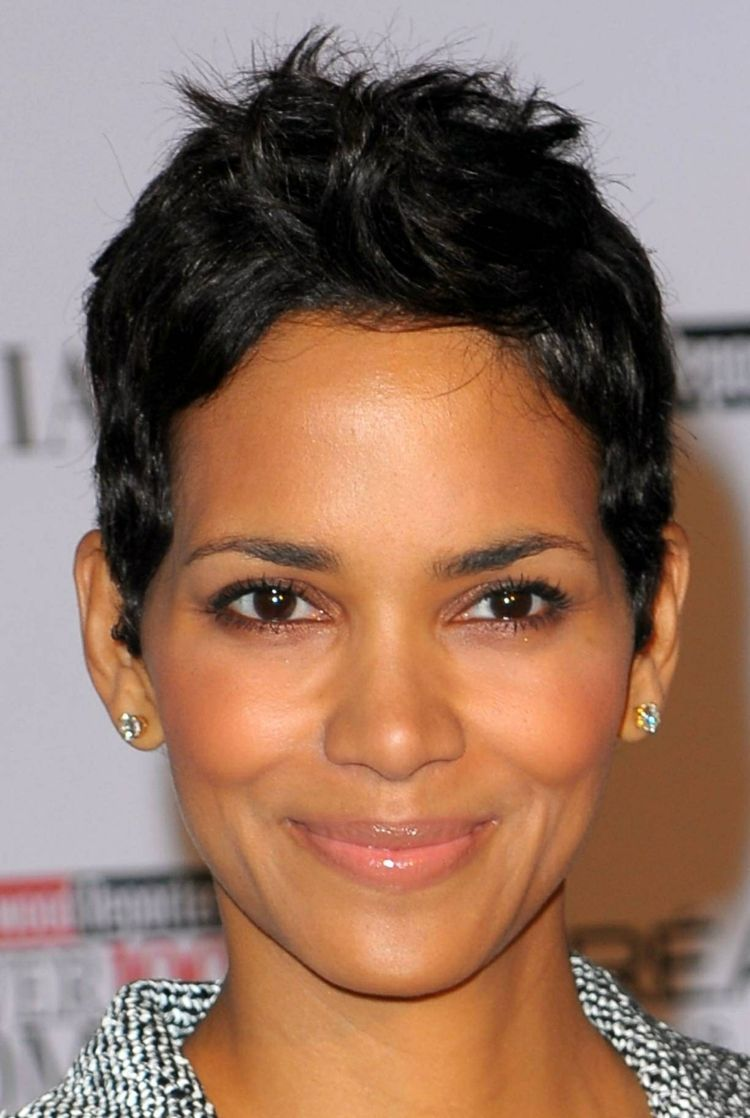 35++ Coiffure courte halle berry inspiration