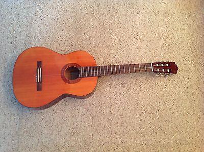 Yamaha C 40 Acoustic Guitar https://t.co/g2YA6ZtvtQ https://t.co/VlaTME2ejg