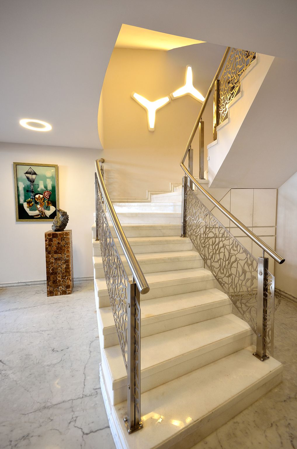 Our #supermodular Izar & Downut lighting at a private residence in