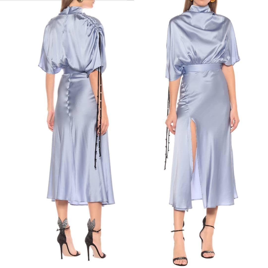 #passionforfashion_22 #icon #fashionaddict #outfitpost #outfit #ootdph #fashionista #moda #fashionable #inblack...