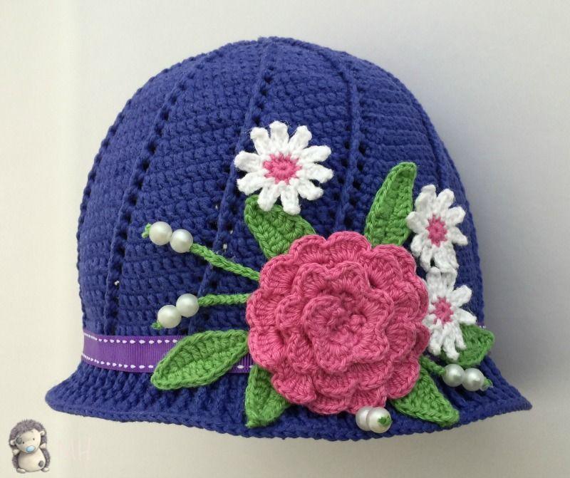 Gorro a crochet con flores para niñas, ¡patrón gratis! | Pinterest ...