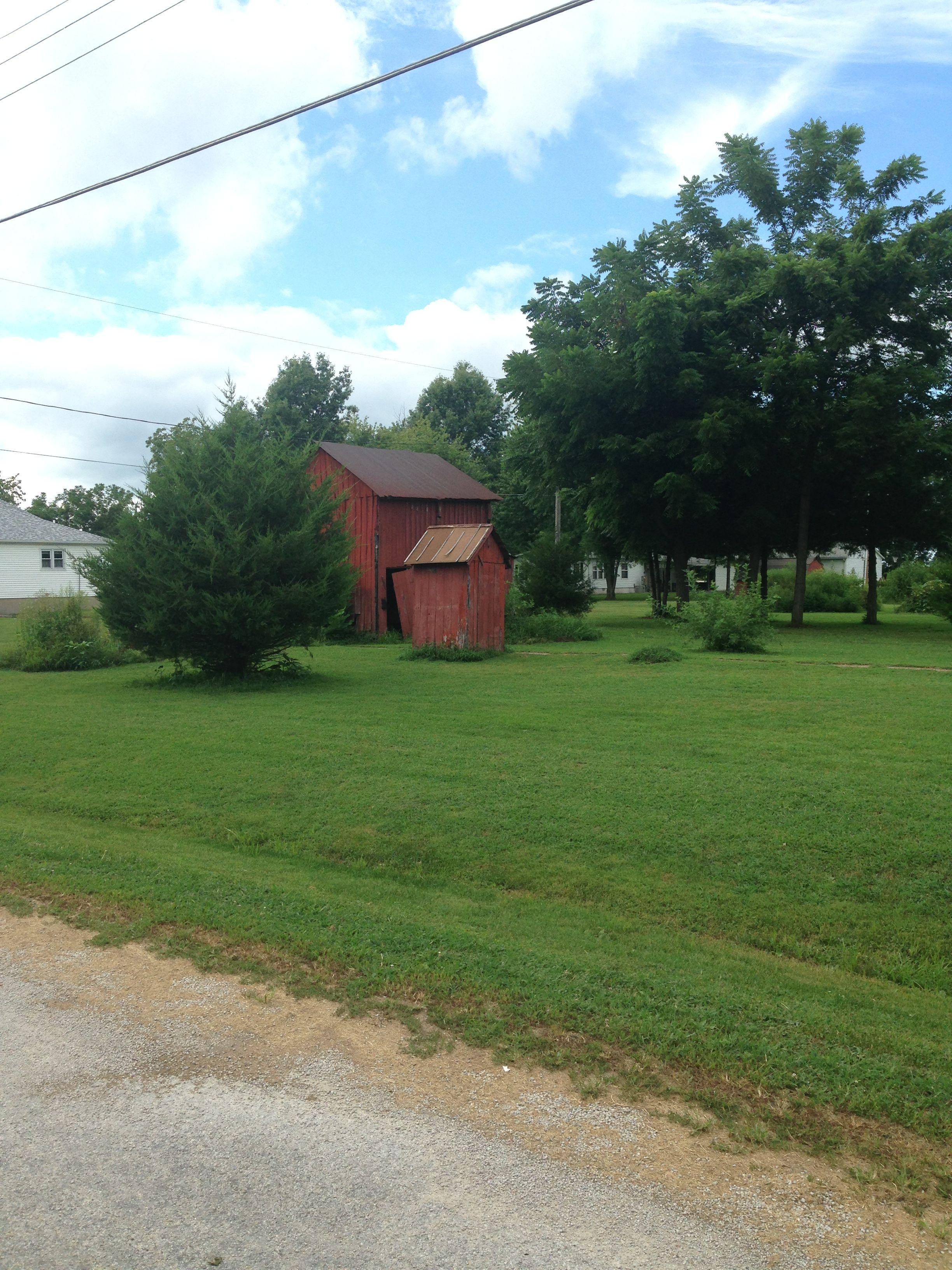 Witt, Illinois. Old houses, House styles, Illinois