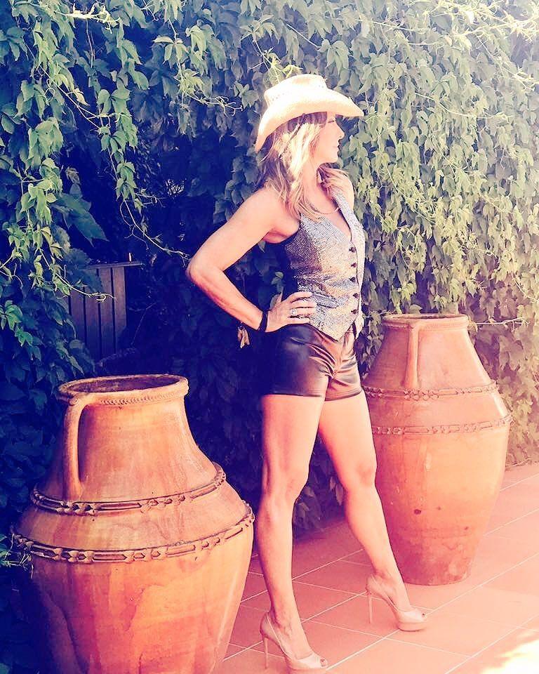 Sabrina Salernos Feet Wikifeet Képek Pinterest