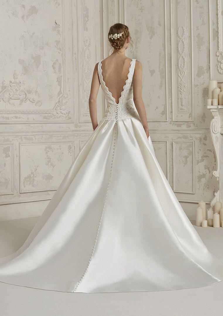 Brautkleid von Pronovias, A-Linie mit Satin Rock und Taschen, Rock