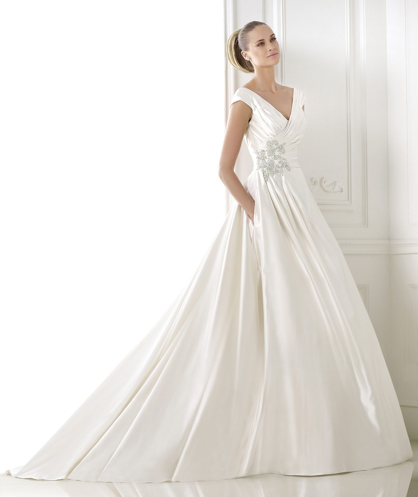 Wedding Dress With Pockets: Taffeta Wedding Dress With Pockets. Collection
