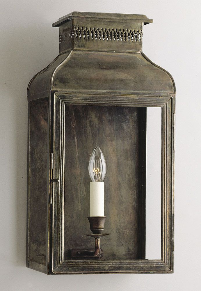 French Wall Lantern - Product WL 10 :: Charles Edwards