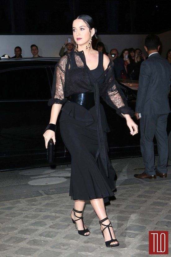 Katy Perry attends the Givenchy show during Paris Fashion Week, wearing Givenchy, bien sûr.