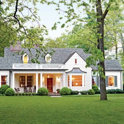 The 2015 Southern Living Home Awards: Best Exterior Makeover Goes To This  Picturesque Farmhouse In Nashville, Tennessee