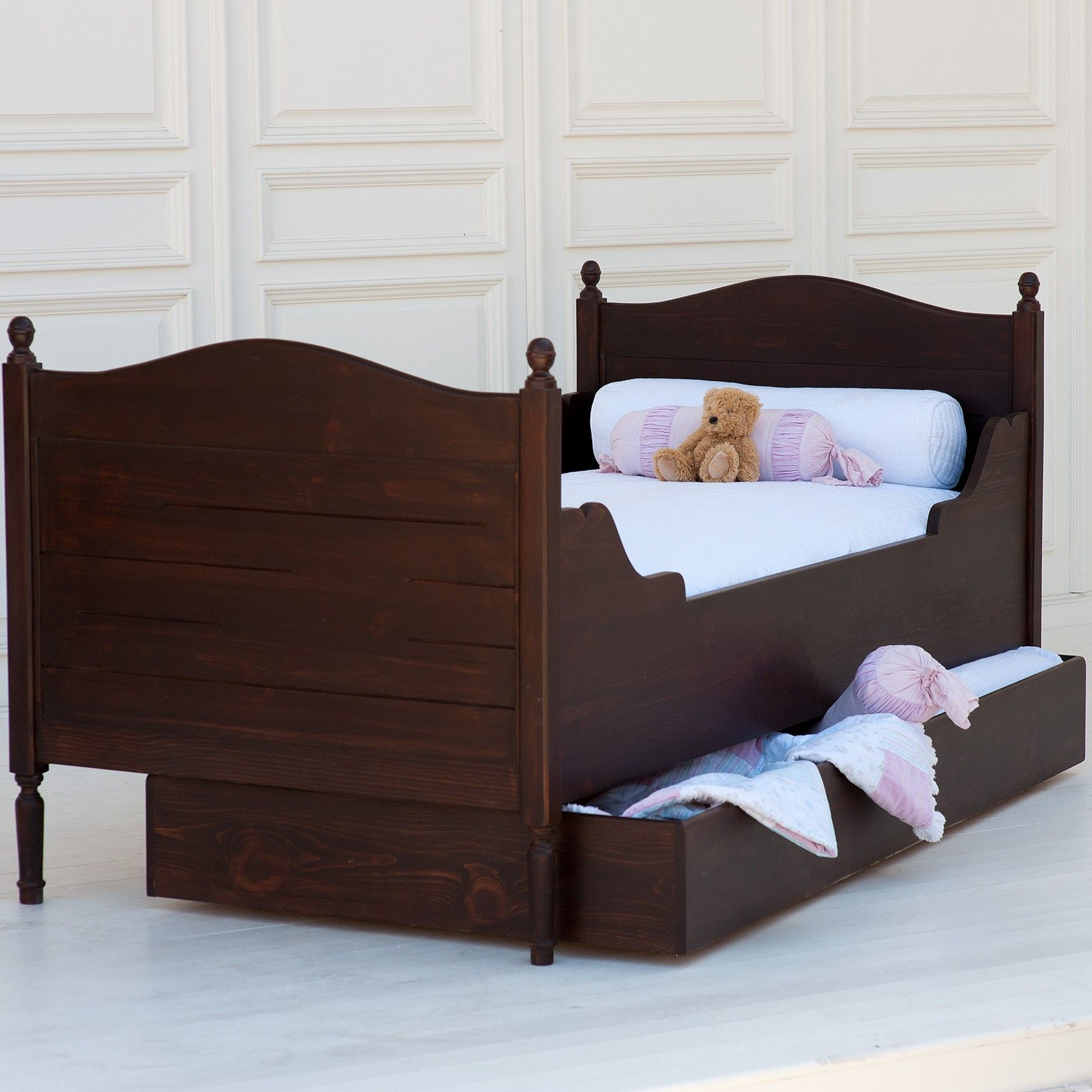 This Simple Trundle Bed Is Perfect For Helping Organize A