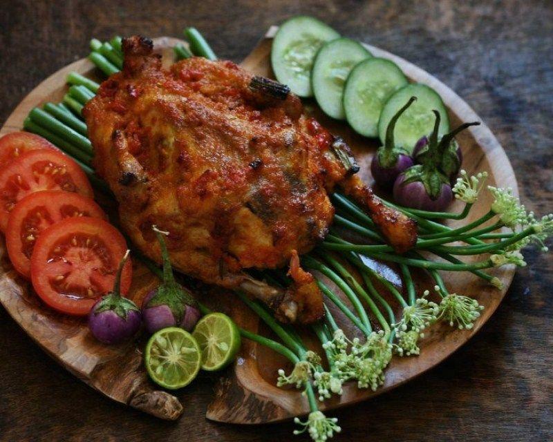 Ayam Iloni Tempat Wisata Kuliner Pedas Khas Gorontalo Kuliner Gorontalo Masakan Indonesia Resep Masakan Masakan