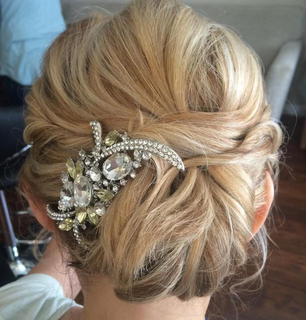 Simple Long Hair Wedding Style For Mother Of Groom In Her 60 S: 50 Ravishing Mother Of The Bride Hairstyles