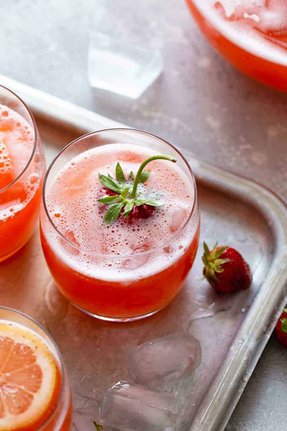 Homemade Strawberry Lemonade Recipe | My Baking Addiction