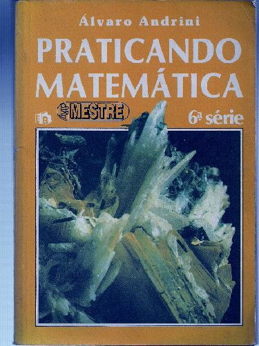 Livro de matemática.