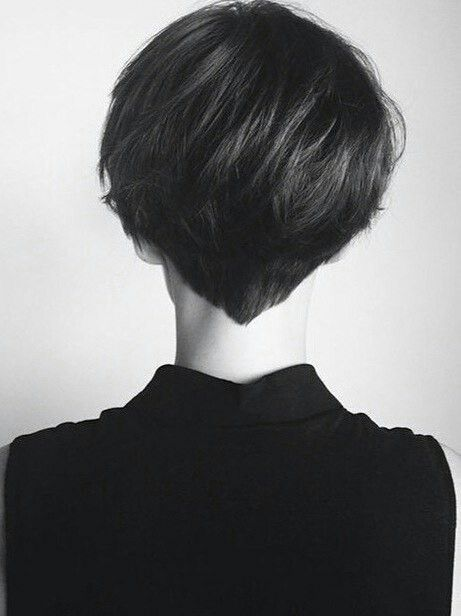 I Love The V In The Back Short Hair Styles Hair Styles Very Short Hair