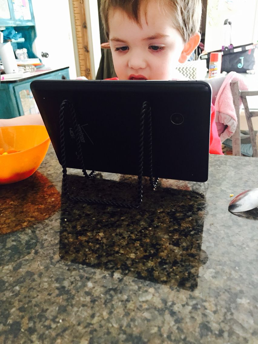 Tablet stand for kitchen  Ipad holder for kids iPad tablet holder for kitchen Cheap plate