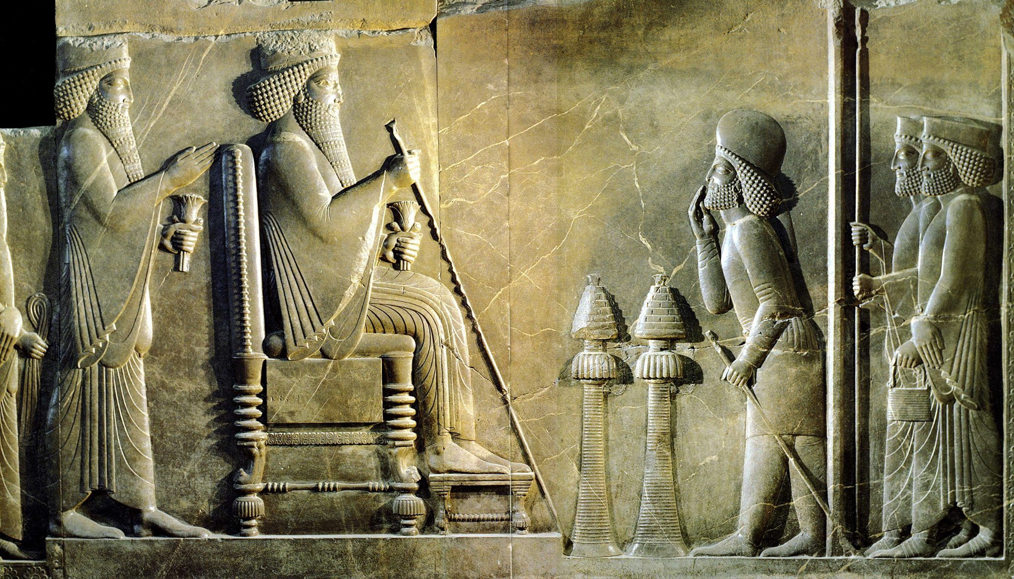 Treasury Relief Persepolis Xerxes Enthroned With Crown Prince Darius Behind Him Before The Throne Are Two Very E Ancient Persian Persian Empire Ancient Art