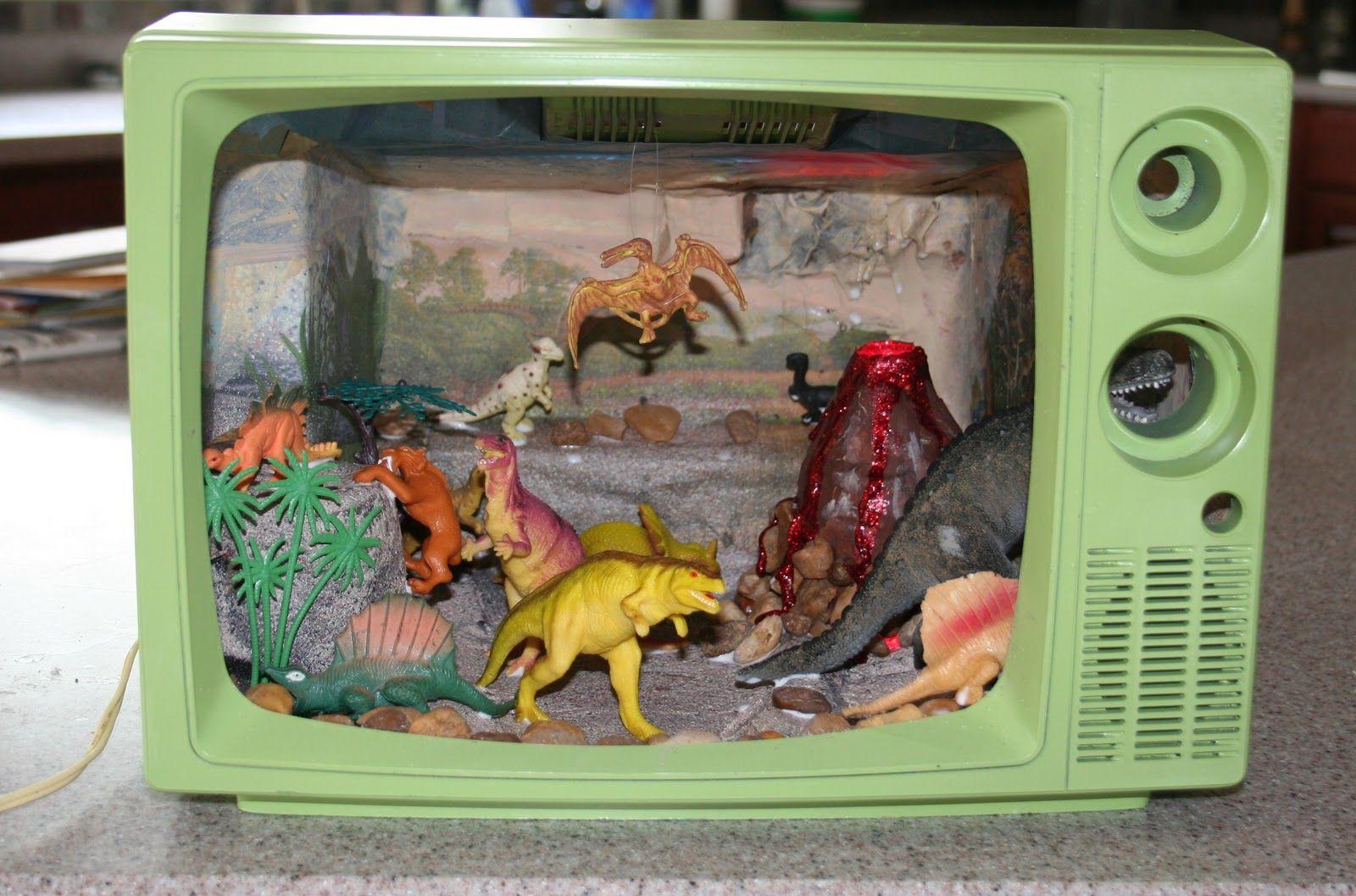 Kids Diorama With Details: UpDo: Upcycled Dinosaur Diorama