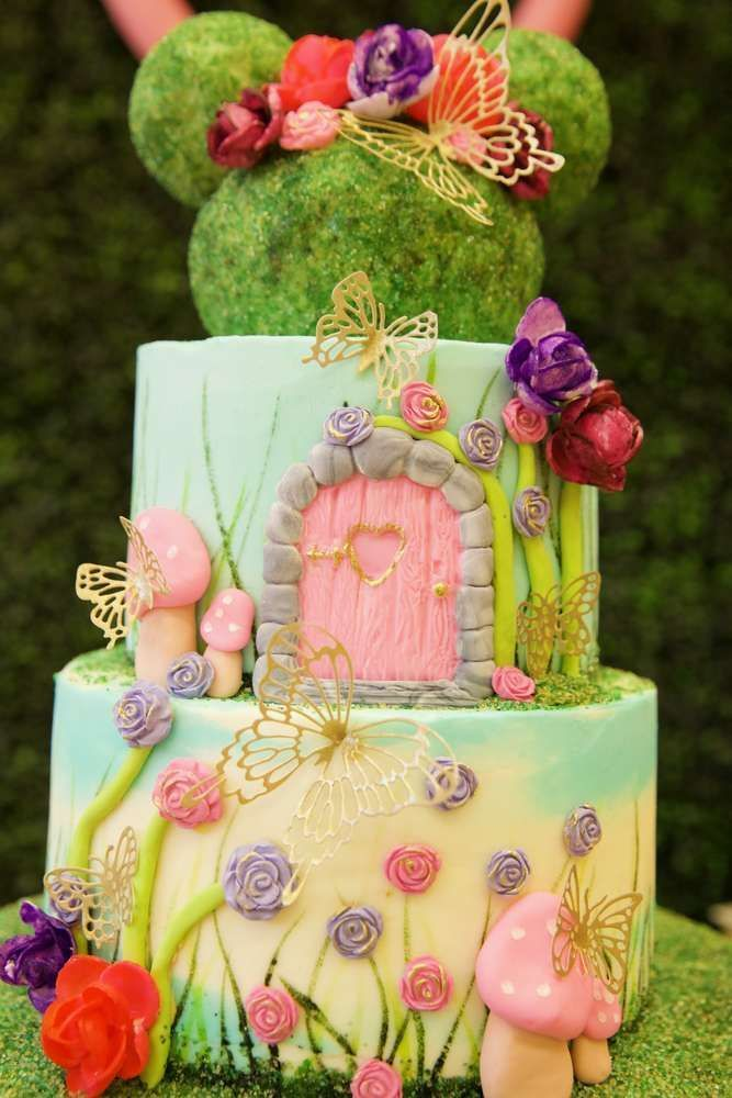 The birthday cake at this Minnie Mouse Enchanted Garden ...