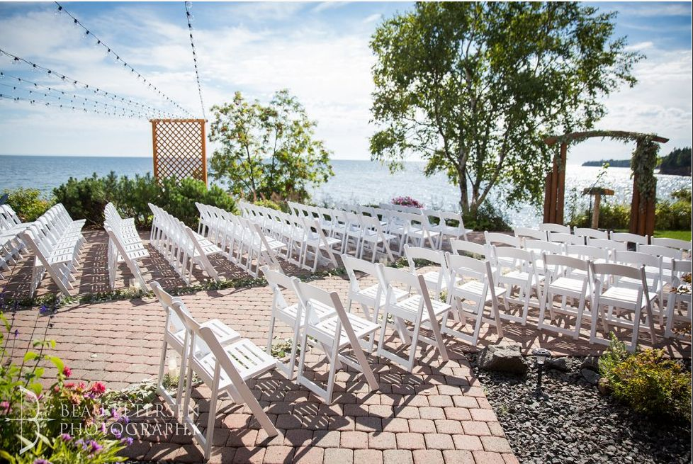 Find Grand Superior Lodge Wedding Venue One Of Best Outdoor Wedding Venues Mn Outdoor Wedding Venues Mn Wedding Venues Outdoor Tent Wedding