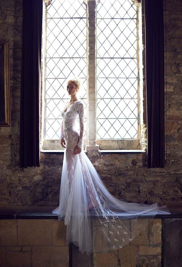 Luxury Weddings Bonus Bridal Fashion Editorial // #Wedding #gown by Bizzaro Bridal. Photography by 35mm Wedding Photography. Hair by Mehrium Ajaib. Makeup by Trish Sousa