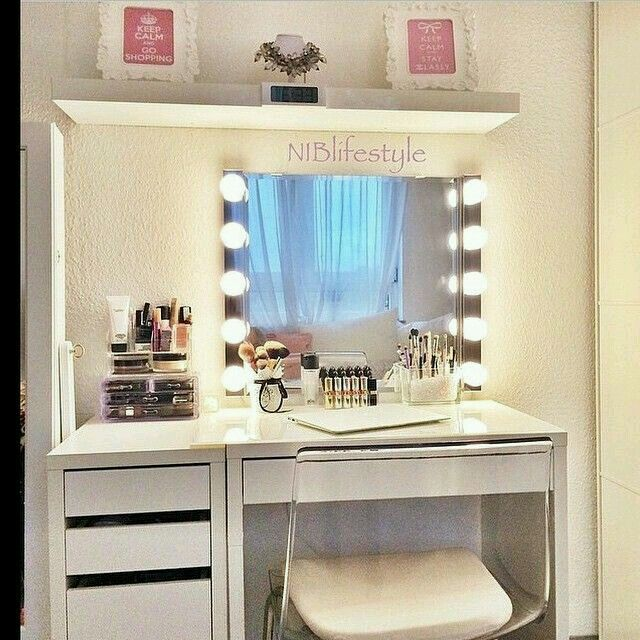 Nifty Cosmetic Organization Makeup Vanity This Would Be A Good Area For An Office E