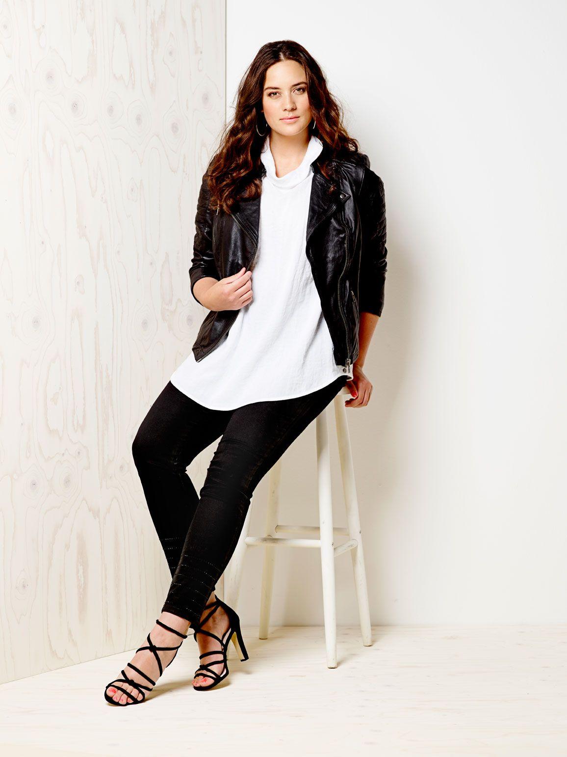 20602016f0d7 Qúe black leather jacket