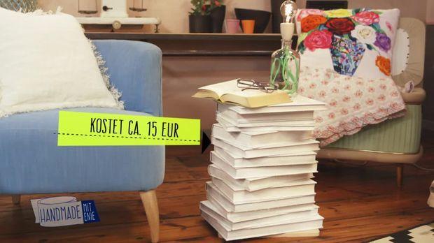 """Dieses coole Nachtkästchen ist aus alten Bücher gebaut!- """"Handmade mit Enie"""" gibt's immer samstags um 14.00 Uhr auf sixx."""
