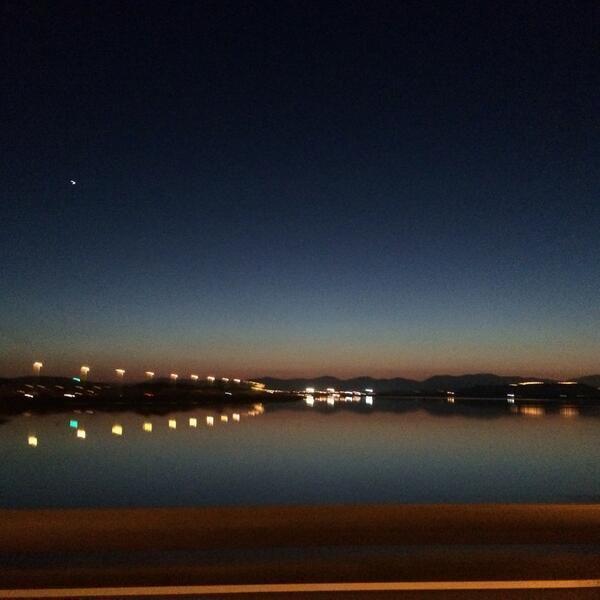 """@Giovanni Sedda """"#Cartoline serali dalla #Sardegna: il runner respira le luci della città e si allinea alle stelle #scattidicorsa"""""""