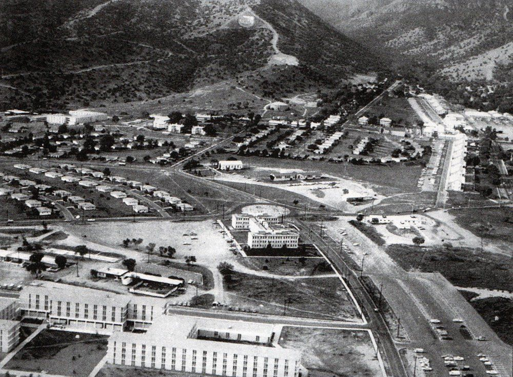Fort Huachuca Az My Old House Is Center Back On Henry Circle Fort Huachuca Places To Travel Favorite Places