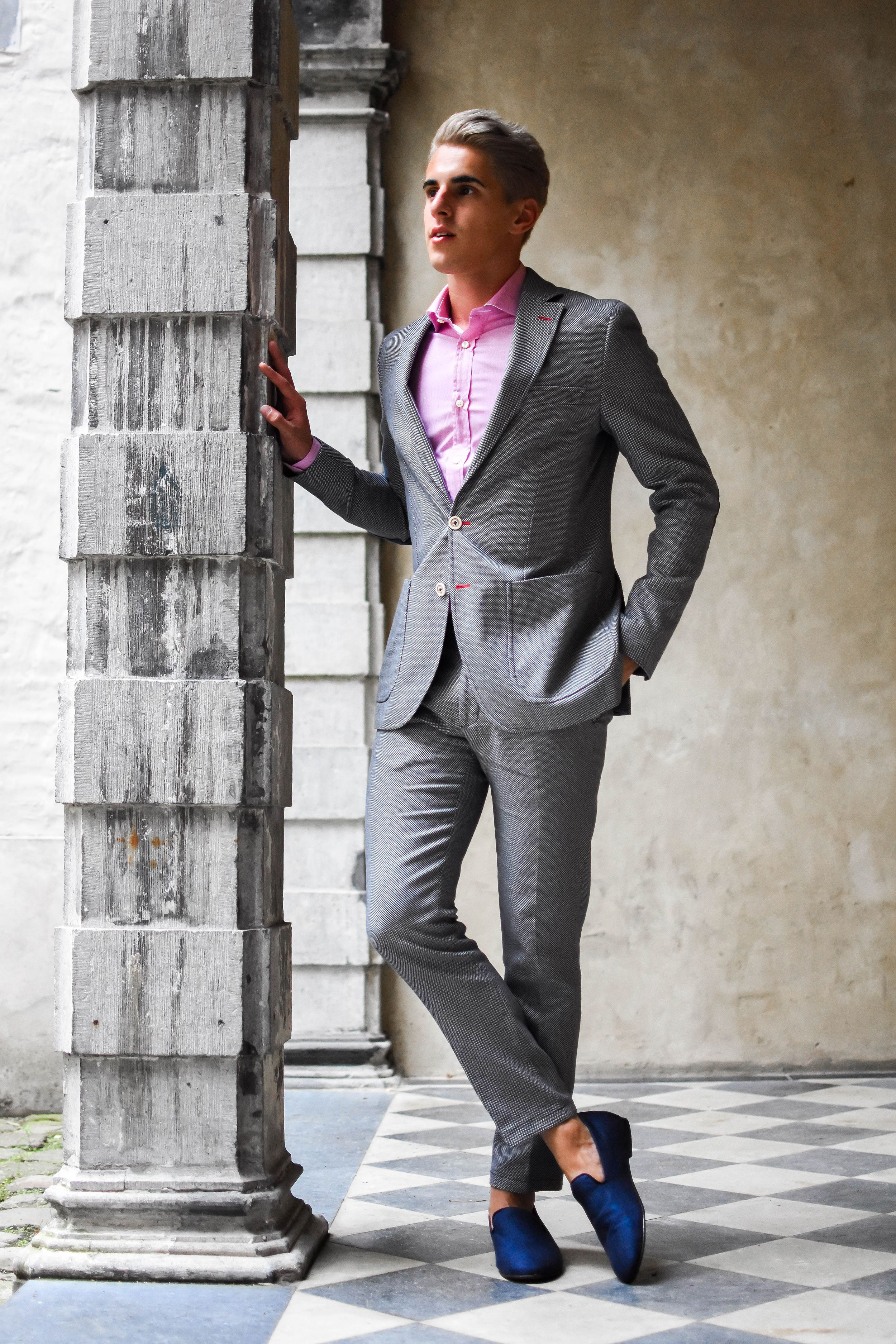 Spain in Antwerp Checkered suit, Gray suit, Pink dress shirt