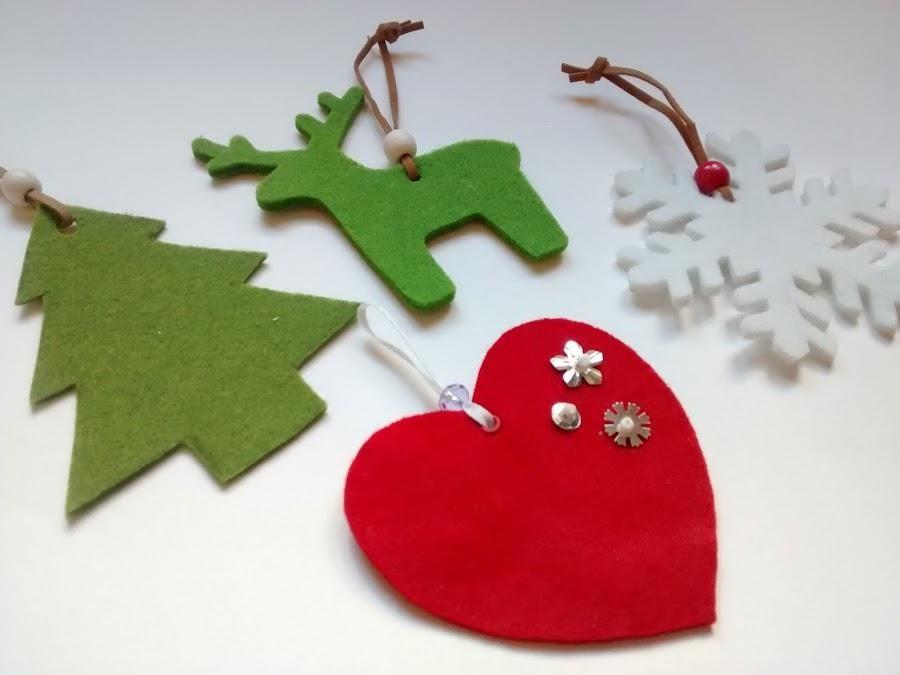 Adornos de fieltro para esta Navidad Adornos navideos El arbol y