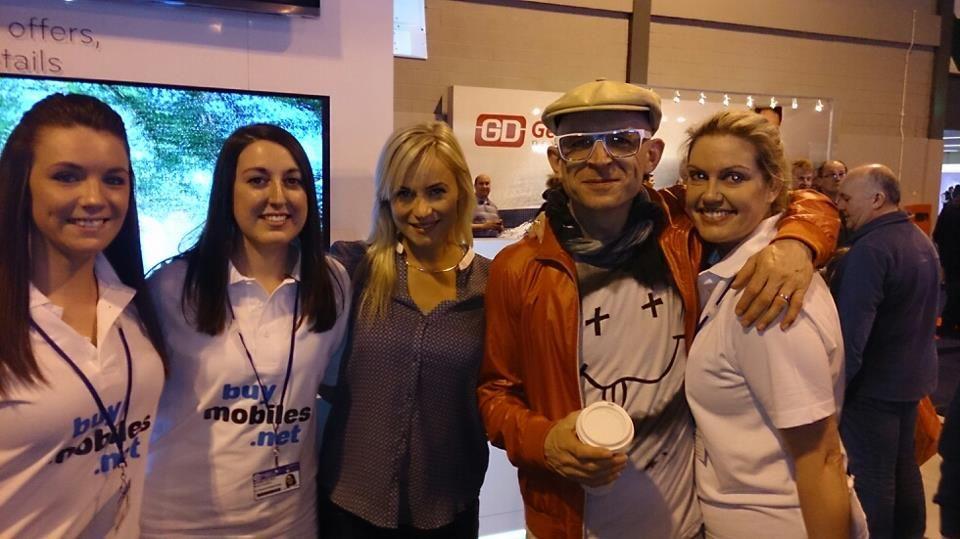 buymobiles.net at the Gadget Show 2013 with Jason Bradbury and Pollyanna Woodward. #smartphones #celebrities