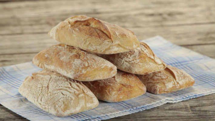Некоторые хозяйки предпочитают выпекать хлеб в домашних условиях. Рецептов выпечки хлеба существует несколько. Но для …