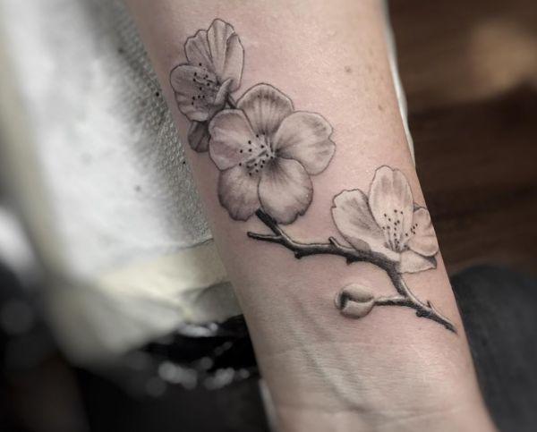 kirschbl ten tattoo designs mit bedeutungen 15 ideen babette pinterest tattoo tatoo and. Black Bedroom Furniture Sets. Home Design Ideas