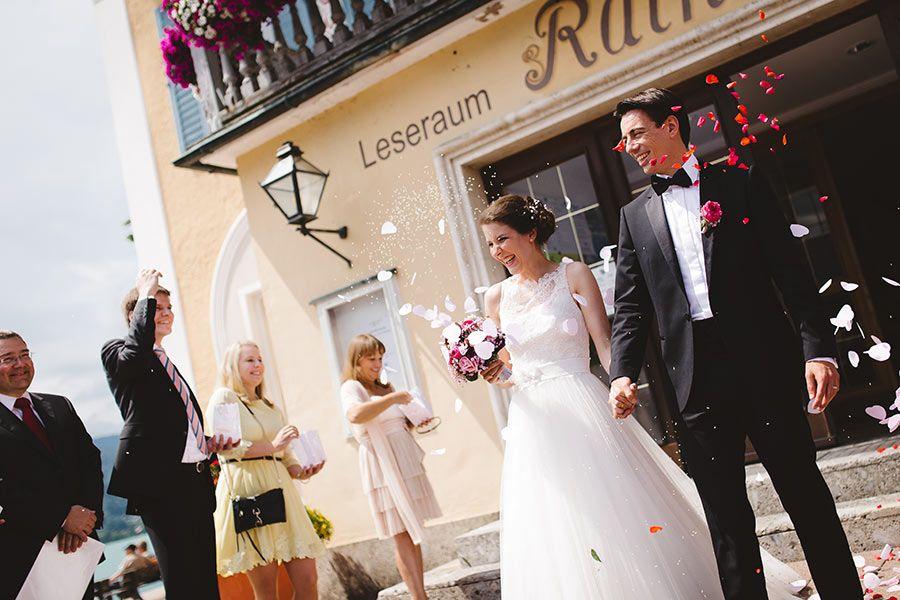 Fotograf Standesamt Tegernsee Hochzeit Hochzeitskleid Spitze Hochzeitsfotograf Kleid Hochzeit