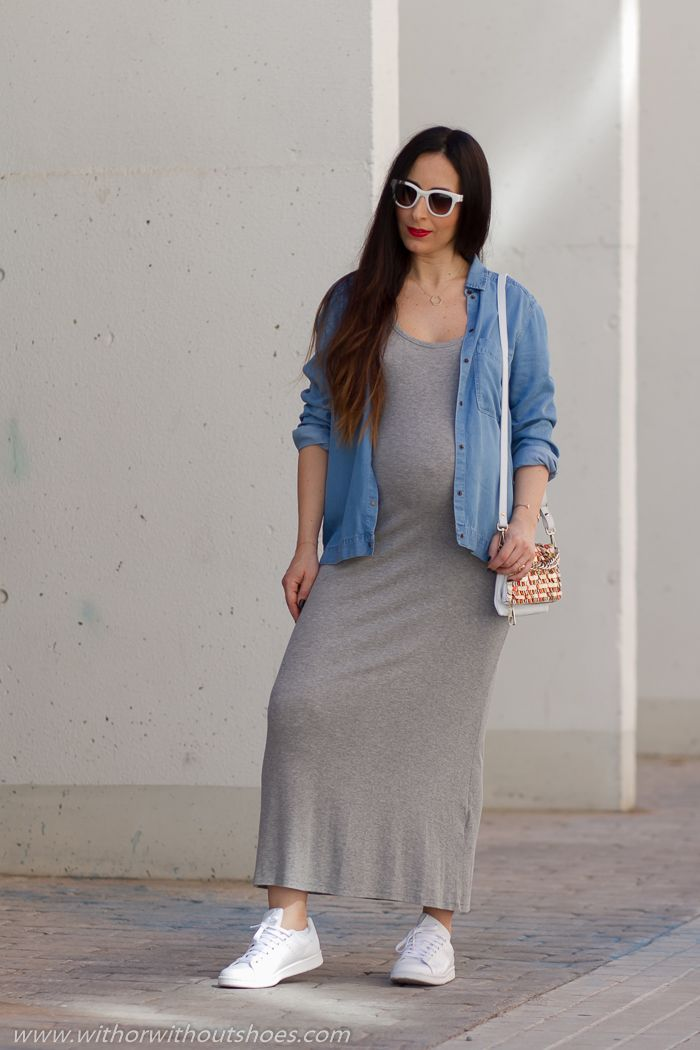 99f8f313c Mi último look de embarazada  estilo casual con vestido de punto y  deportivas