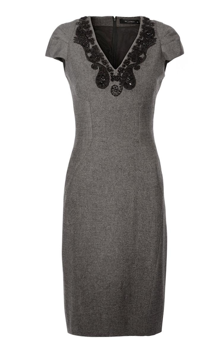 Figurbetont geschnittenes Damen-Kleid aus der aktuellen ...