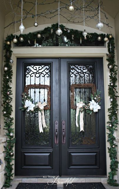 50 Stunning Christmas Porch Decorating Ideas - Style Estate -