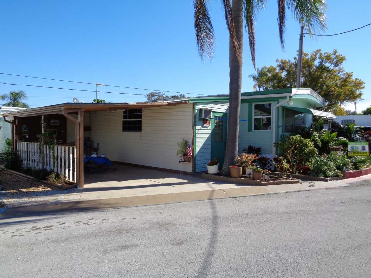 Pace Mobile Home For Sale In Saint Petersburg Fl Mobile Homes For Sale Mobile Home Ideal Home