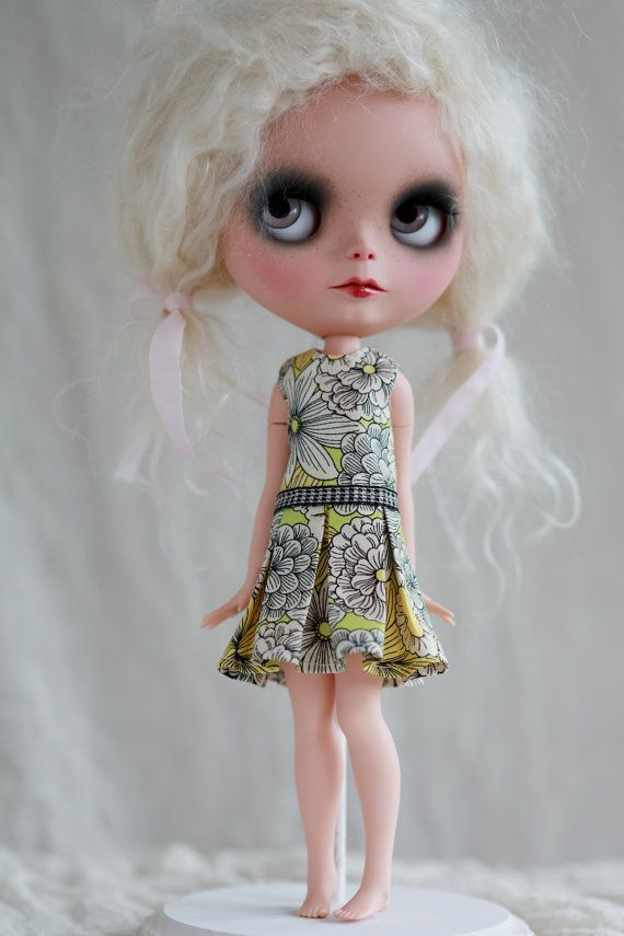 Photos4sue Pleat Dress for Blythe Doll jumbo par photos4sue