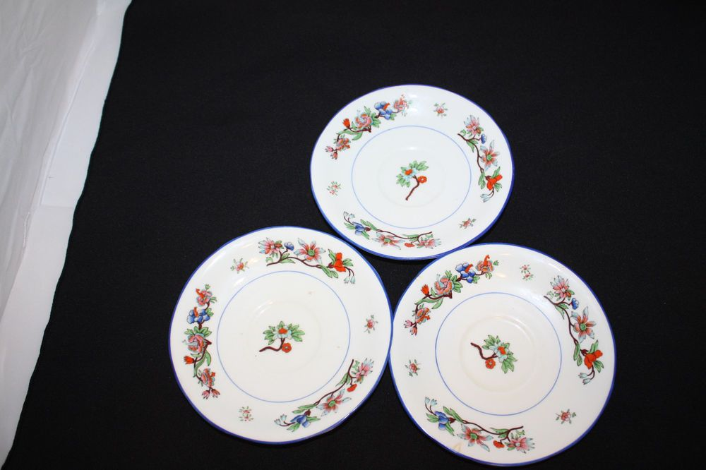 """LOT OF 3 AYNSLEY SAUCERS FLOWERS WITH BLUE RIM MADE IN ENGLAND 5.5""""  #A2346P  #AYNSLEY"""