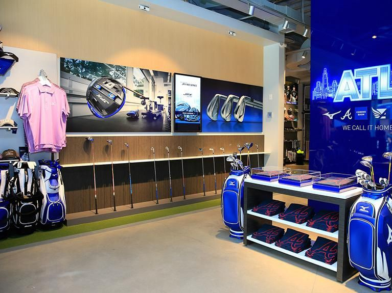 Sporting goods giant opens its first U.S. store Lafestar