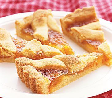 Tart meets pie in a crostata, an Italian creation filled here with orange marmalade.