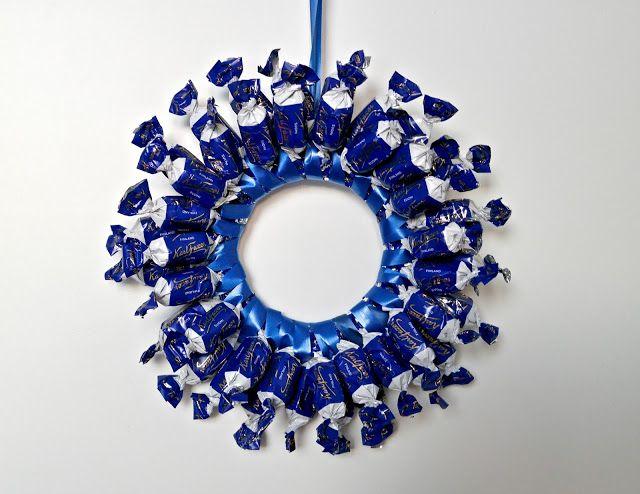 suklaakranssi, chocolate wreath, kranssi makeisista,