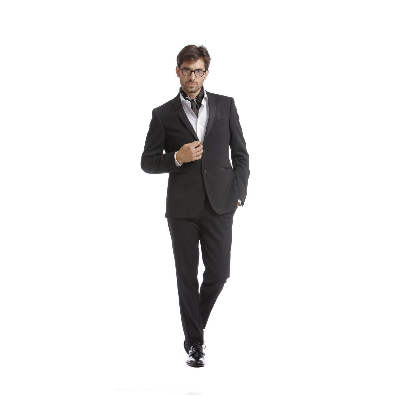 """Mod: L1414  -  Art: 867123/99 DIRETTAMENTE DAL RED CARPET Per l'uomo moderno che vuole essere sempre chic e al passo con la moda, ispirazione che nasce direttamente dai """"Red carpet"""" più glamour, l'abito che conferisce quell'allure seducente…. a chi sceglie di indossarlo! #lebole #leboleuomo #modauomo #fashion #stileitaliano #modaitaliana #style #menswear"""